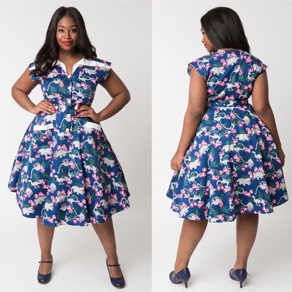 07227daf3e0 🦕Unique Vintage 50s Cap Sleeve Dino Swing Dress